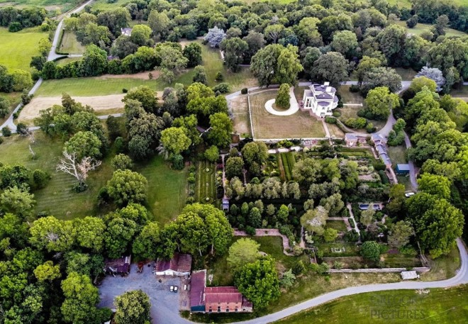 Image for property tour showing an aerial photo of the historic core of Oatlands.